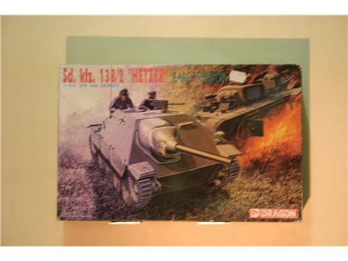 Sd. Ksz. 138/2 Hetzer  early vers. - modelli Dragon