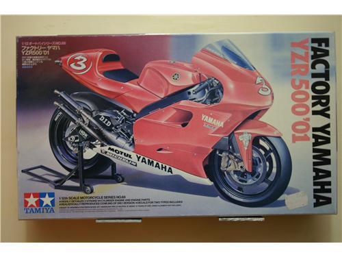 Factory Yamaha YZR500'01 - modelli Tamiya