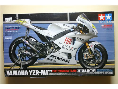 Yamaha YZR-M1'09 / Fiat Yamaha team (Estoril Edition) - modelli Tamiya