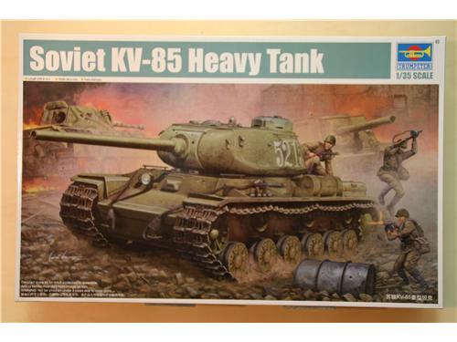 Soviet KV-85 Heavy Tank - modelli Trumpeter