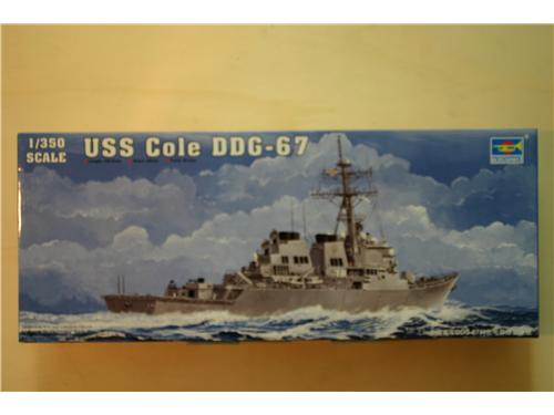 USS Cole DDG-67 - modelli Trumpeter